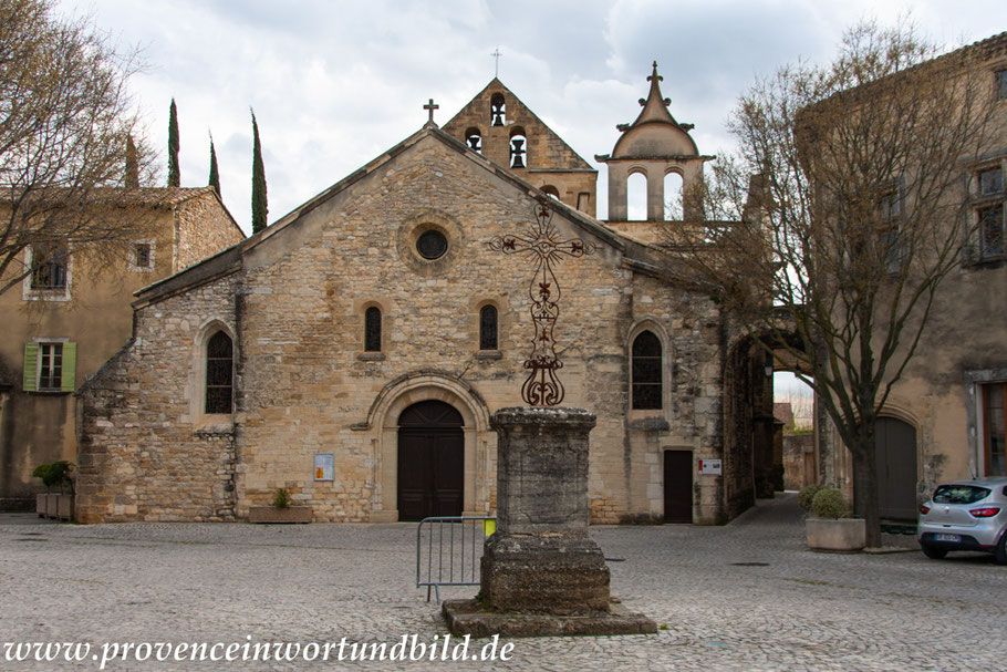Bild: Eglise Saint Michel in Caderousse