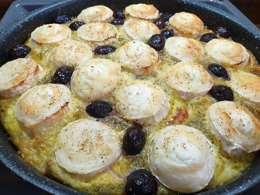 Bild: Provenzalisches Omelette mit Kräutercreme und Tomaten