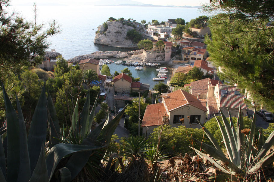 Bild: Niolon mit seinem kleinen Hafen an der Côte Bleue