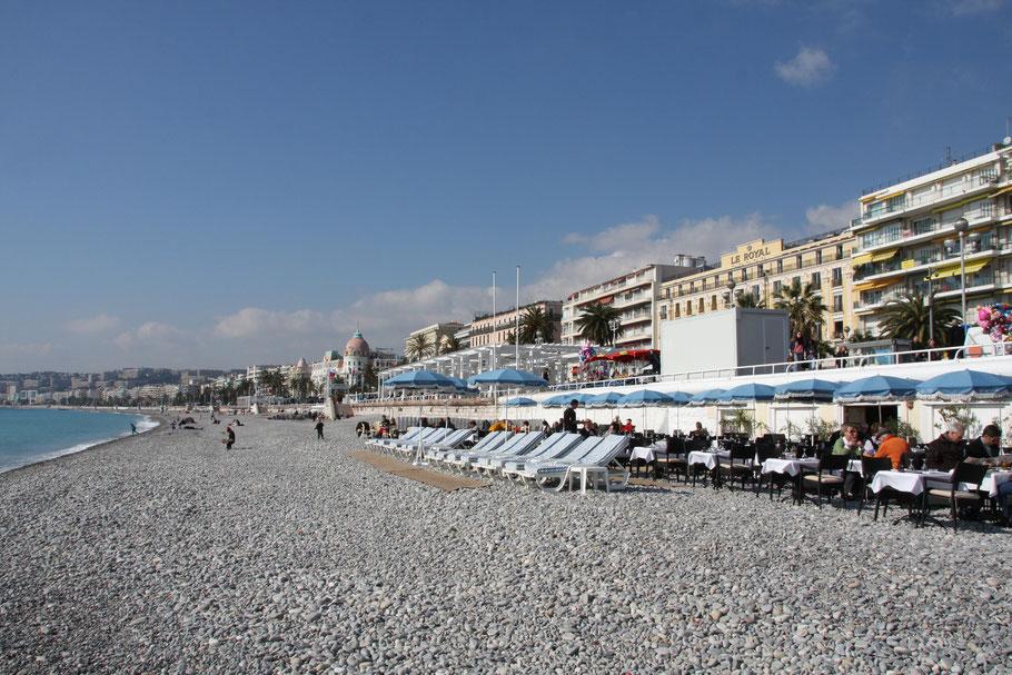 Bild: am Strand von Nice im Februar 2013
