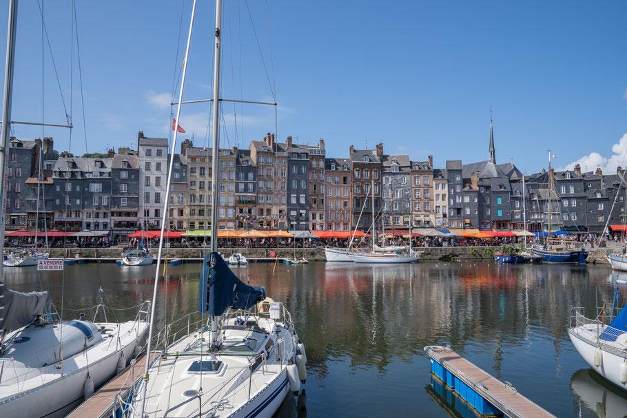 Bild: Honfleur im Département Calvados in der Normandie  Vieux Bassin