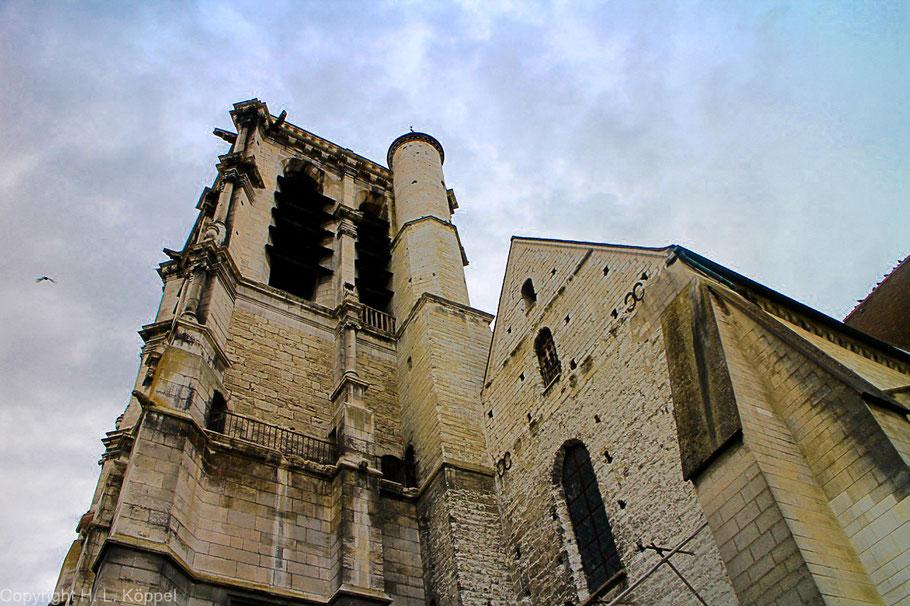 Bild: Glockenturm der Église Sainte Madeleine in Troyes