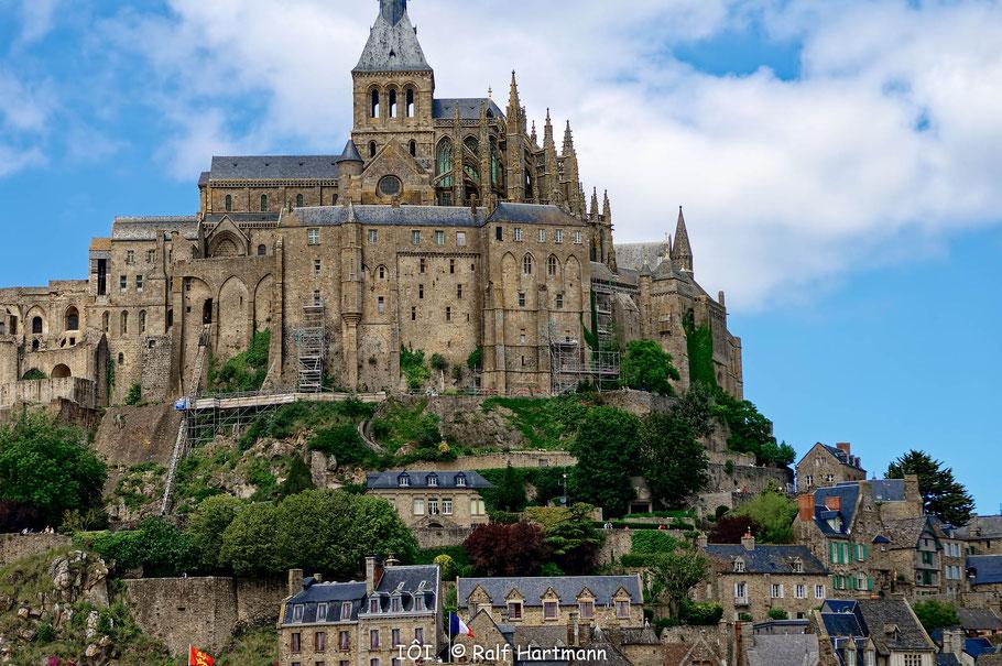Bild: Abtei und Unterdorf von Mont-Saint-Michel