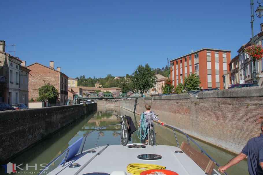 und dann ging es weiter mit dem Boot zur nächsten Schleuse direkt hinter der Kurve