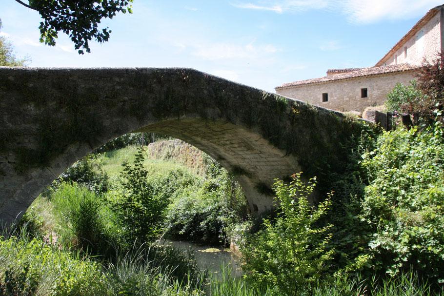 Bild: römische Brücke in Céreste
