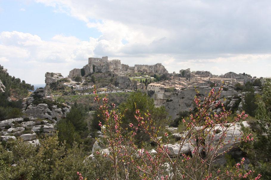Bild: Blick auf Les Baux im Bouches-du-Rhône, Provence