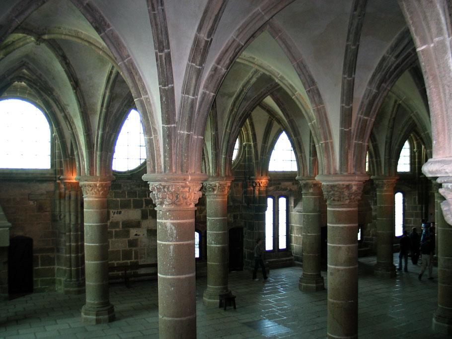 Bild: Säulen des Rittersaal in Mont-Saint-Michel