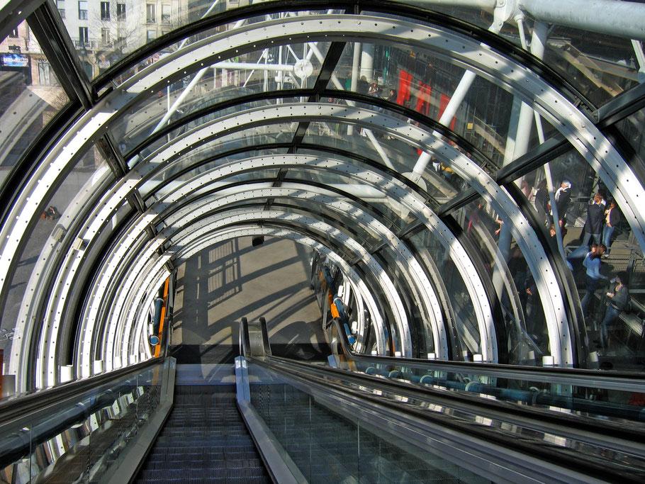 Rolltreppe ins obere Geschoss