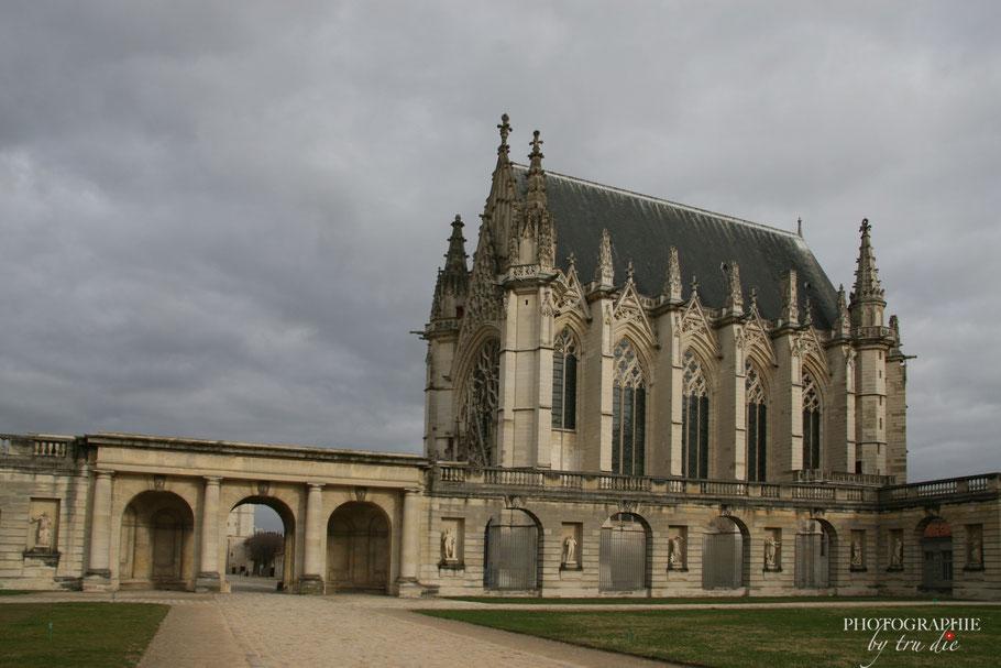 Bild: Blick auf die Sainte-Chapelle im Château de Vincennes in Paris
