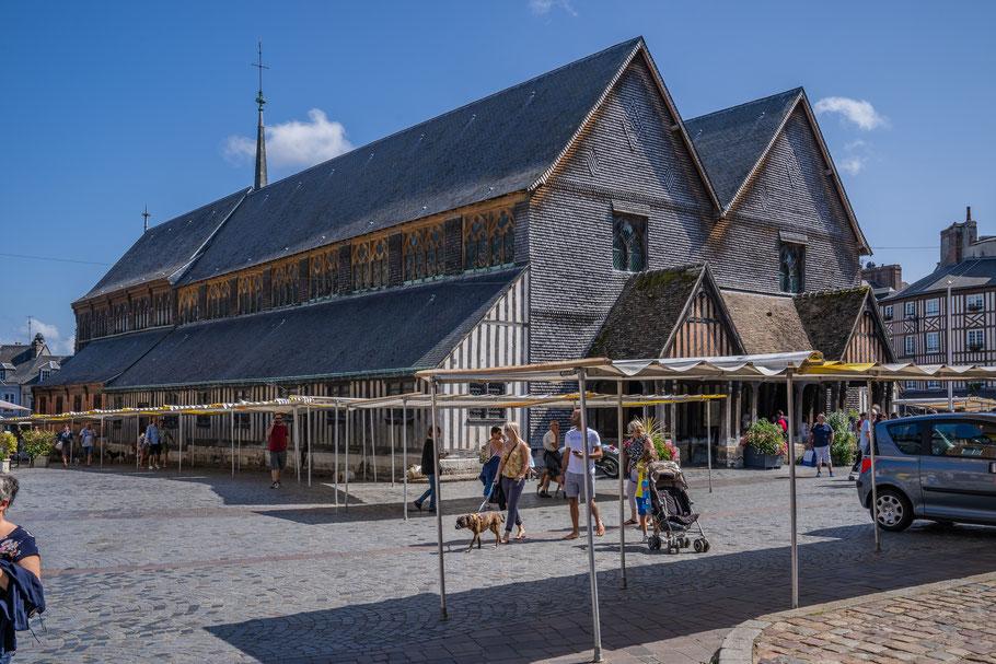 Bild: Honfleur im Département Calvados in der Normandie mit Holzkirche Église Sainte-Catherine