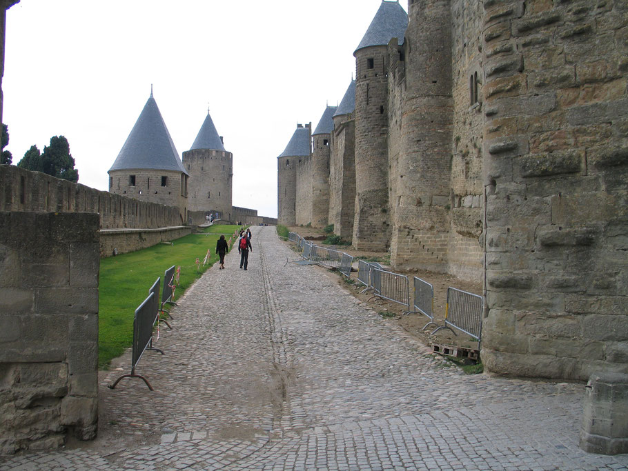 Bild: Blick auf die Stadtmauer von Carcasonne
