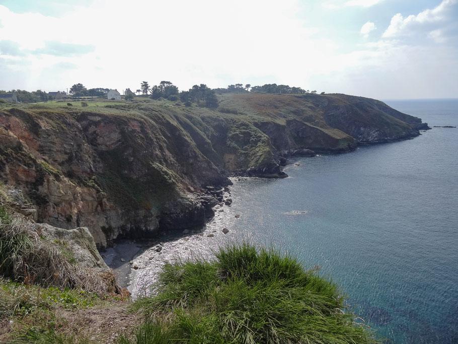 Bild: Bretonische Steilküste gegenüber Brest