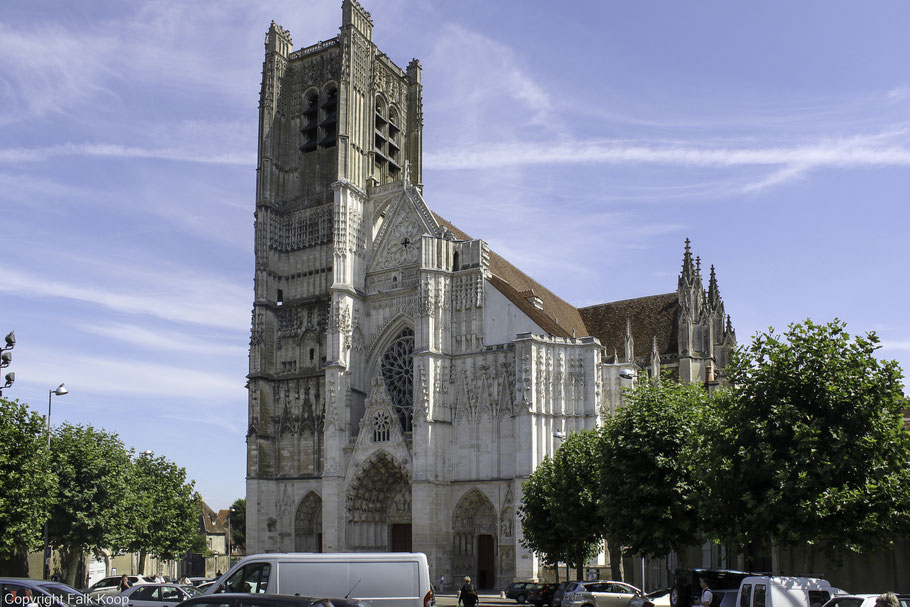 Bild: Die gotischen Cathédrale Saint-Étienne in Auxerre