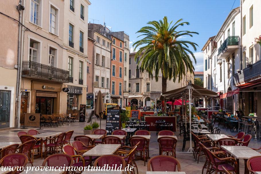 Bild: Am Place du Marché in Nimes