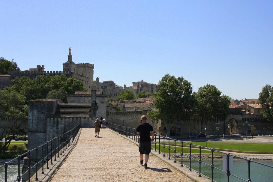 Bild: Pont d´Avignon oder Pont Saint-Bénézet in Avignon