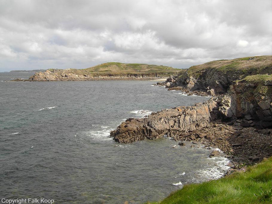 Bild: Blick vom Fort de Kermorvan auf das Fort de l´Îlette im Norden der Halbinsel