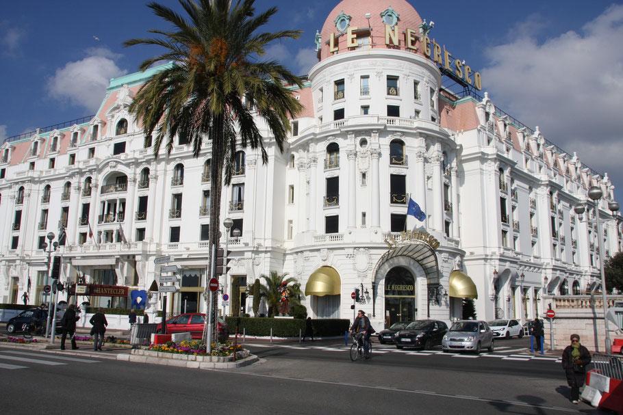 Bild: in Wahrzeichen von Nice, das Hotel Negresco
