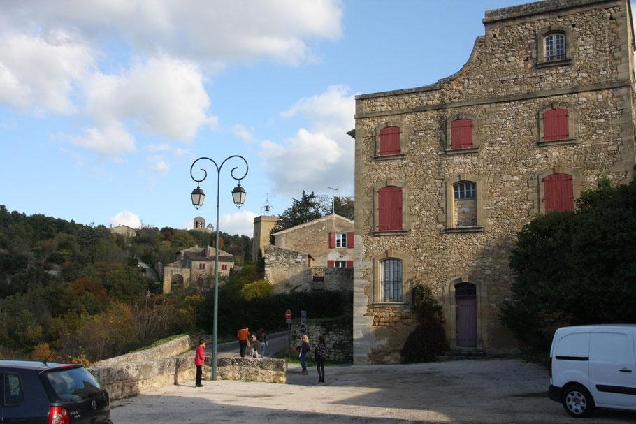 Bild: Straße in Jouques