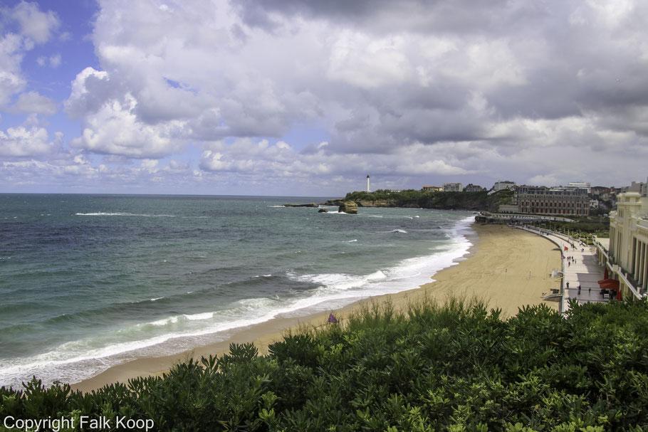 Bild: Langer und breiter Sandstrand in Biarritz