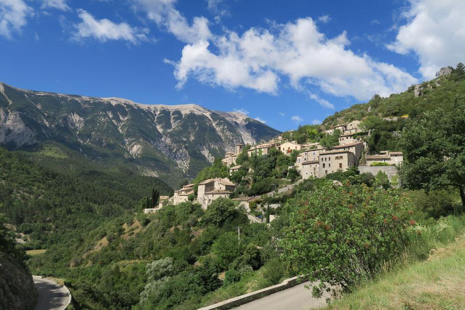 Bild: Brantes mit dem Mont Vontoux