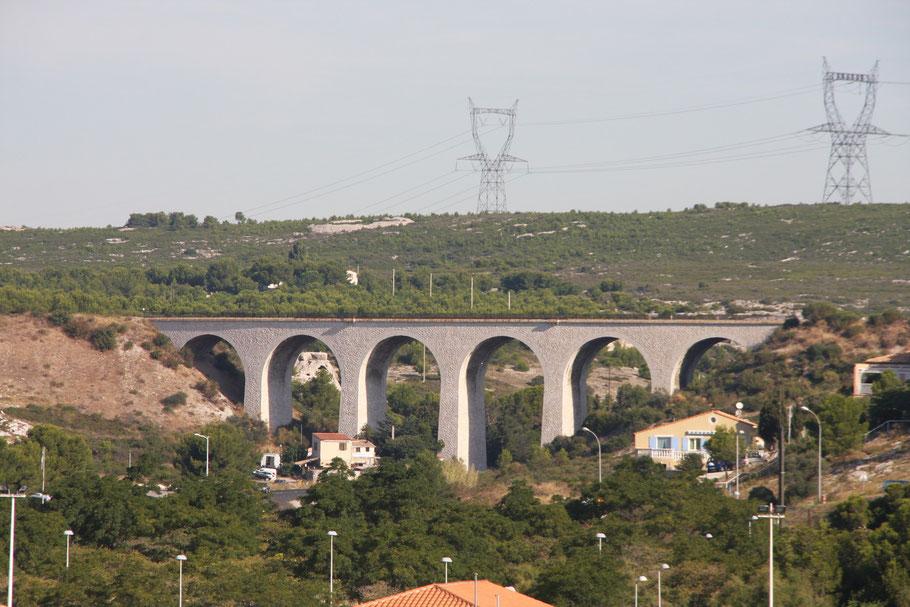 Bild: Eisenbahnbrücke bei Carro