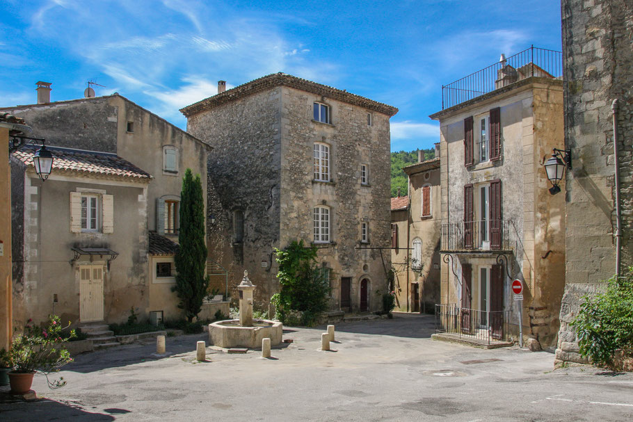 Bild: Céreste in der Provence