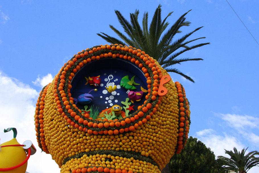 Bild: der Corso beim Limonenfest (Féte du Citron) in Menton