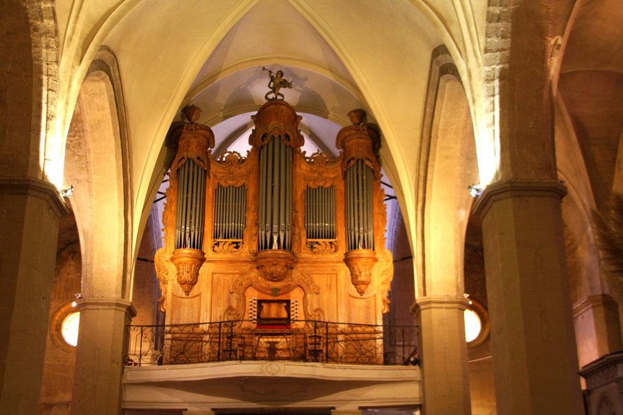 Bild: die Orgerl der Kirche in Roquemaure