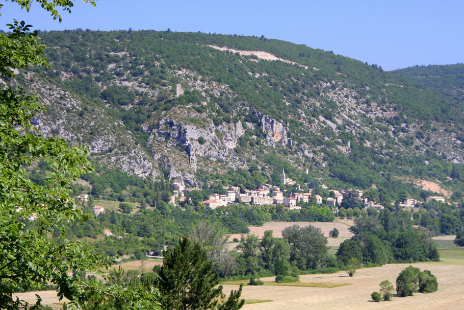 Bild: Blick auf Monieux