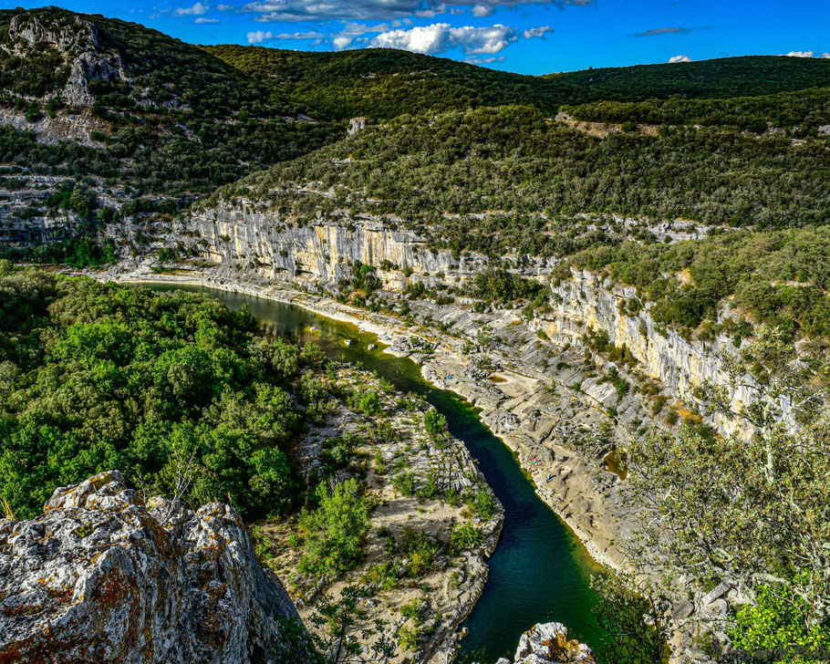Bild: Blick vom Belvédère du Ranc-Poitu in die Gorges de l´Ardèche