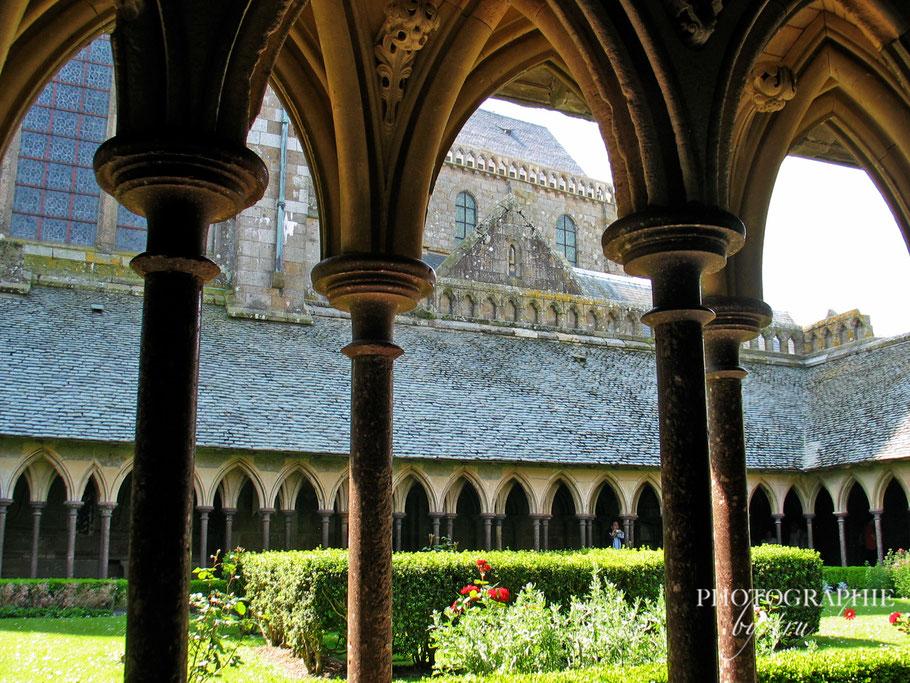 Bild: Kreuzgang Mont-Saint-Michel