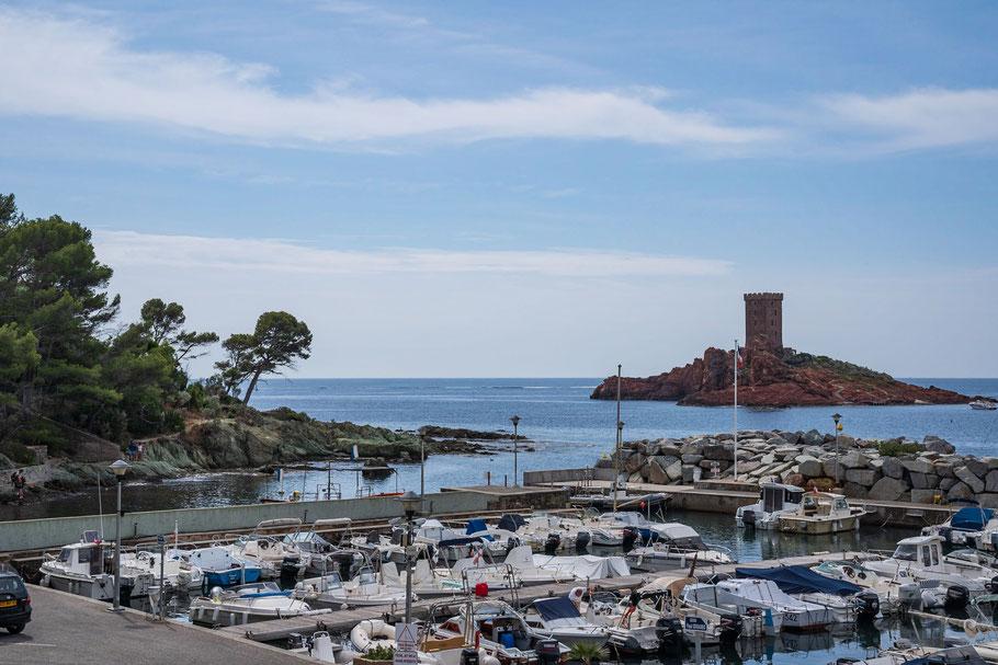 Bild: Port du Poussai Blick au die Île d´Or, Massif de l´Estérel