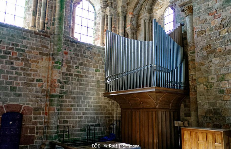 Bild: Orgel in der Kirche von Mont-Saint-Michel