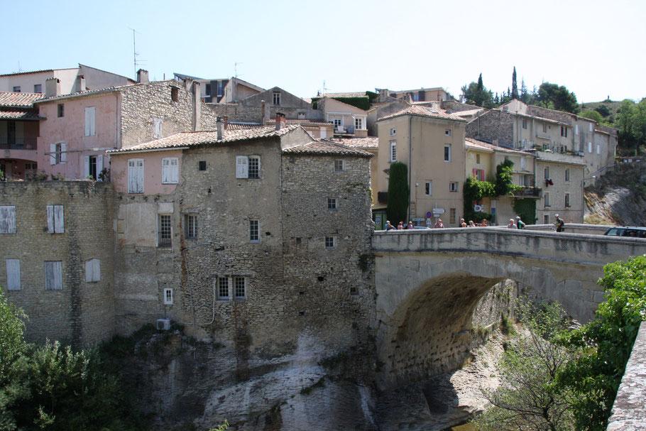 Bild: Römerbrücke (Pont romain) über die Ouvéze in Vaison-la-Romaine