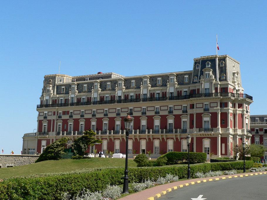 Bild: Blick auf Hotel du Palais, ehemalige Residenz der Kaiserin Eugénie in Biarritz