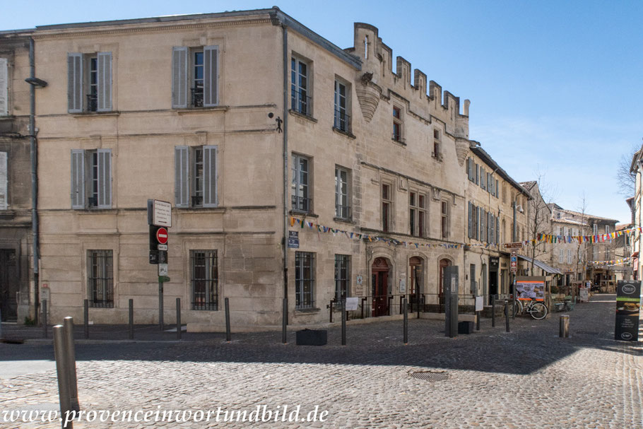 Bild: Avignon, Rue des Teinturiers, Maison du Quatre du Chiffre