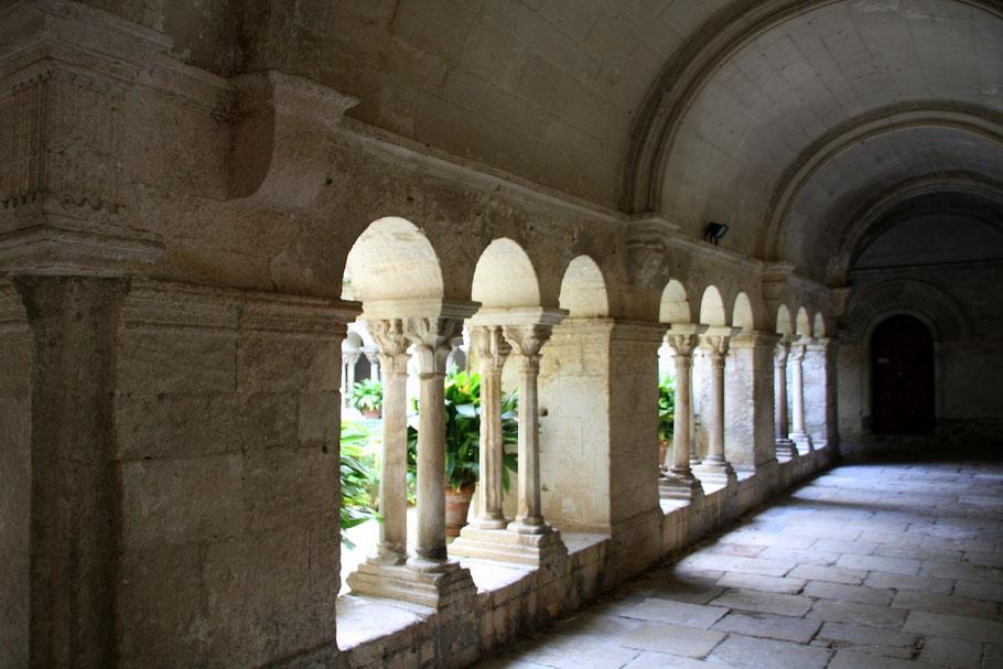 Bild: Kreuzgang in der Monastère de St-Paul-de-Mausole