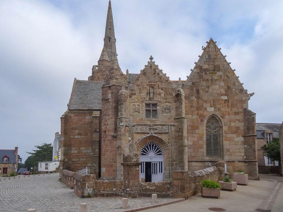 Bild: Eingang in die Chapelle Notre-Dame de la Clarté in Perros-Guirec