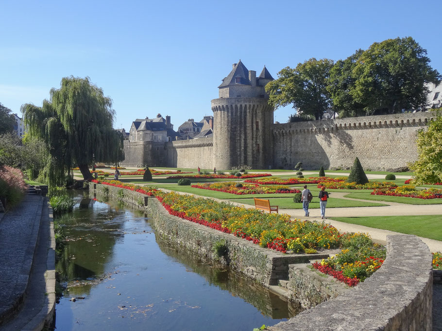 Bild: Stadtmauern in Vannes, Bretagne