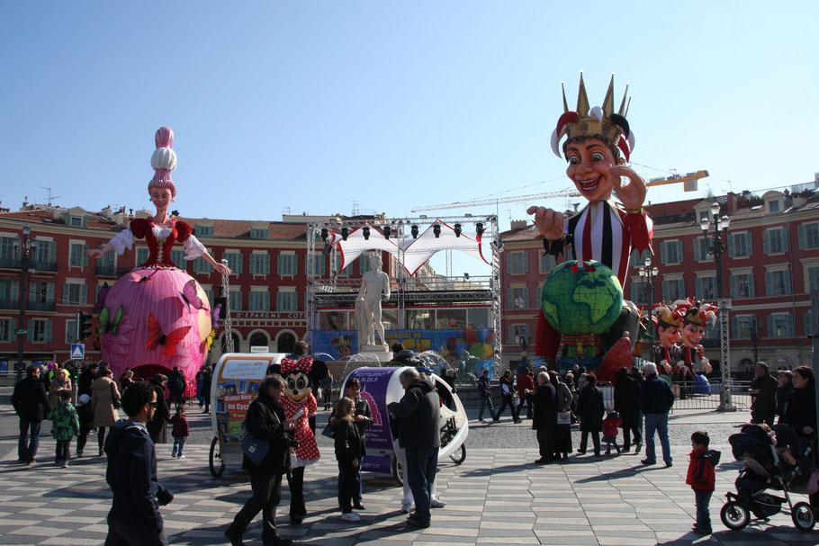 Bild: Karneval in Nice auf dem Place Masséna