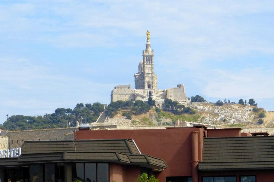 Bild: Blick vom Palais du Pharo auf die Basilique Notre-Dame-de-la-Garde, Marseille
