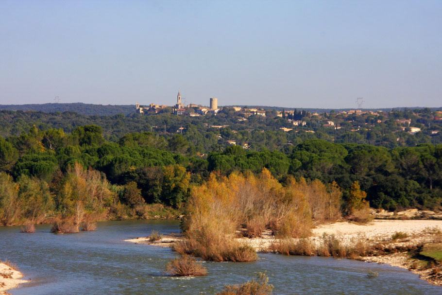 Bild: Blick in Richtung Castillon-du-Gard vom Pont du Gard