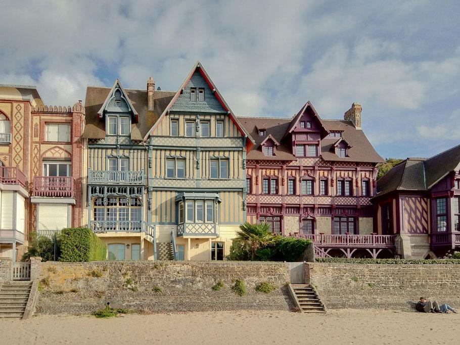 Bild: Villen am Strand von Trouville-sur-mer