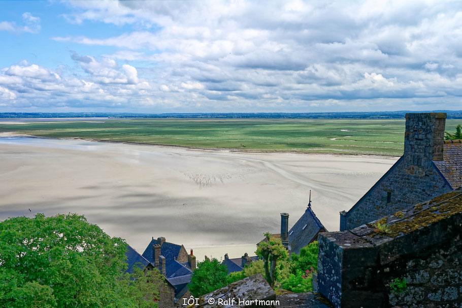 Bild: Blick in die Ferne vom Mont-Saint-Michel