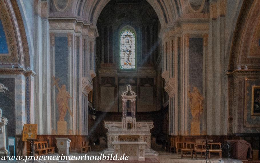 Bild: Chor der Cathédrale Notre-Dame in Orange