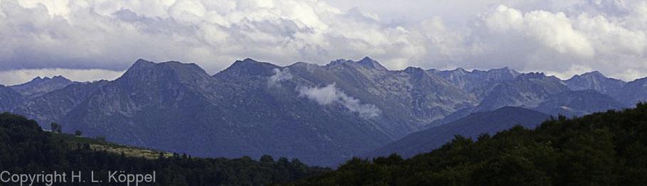Bild: Blick in die Gebirgswelt um den Montségur