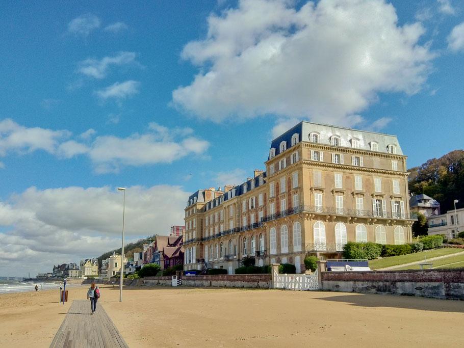 Bild: Hotel Les Roches Noires in Trouville-sur-mer