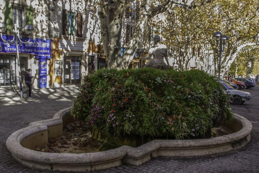 Bild: Pertuis, Brunnen der Diana