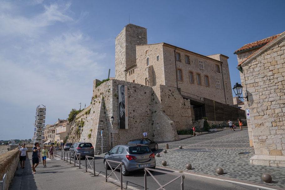 Bild: Grimaldi-Schloss heute Musée Picasso in Antibes