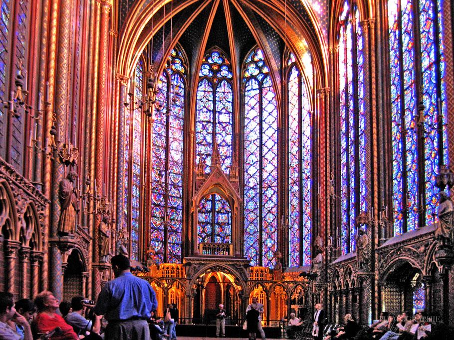 Bild: Glasfenster in Sainte-Chapelle in Paris